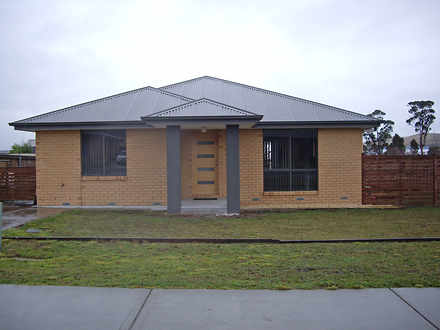 House - 79 Cavenor Drive, R...