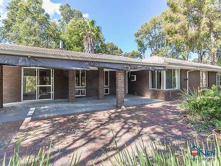 House - 13A Notting Hill Dr...
