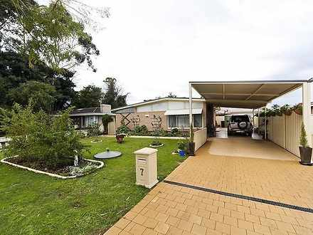 House - 7 Jean Hulley Road,...