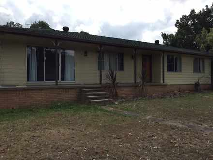 House - 16 Purdom Close, Th...