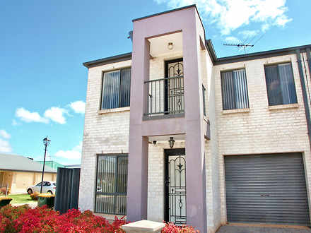 House - 1 Hamra Drive, Smit...