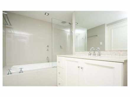 Apartment - 7D/73 Mill Poin...