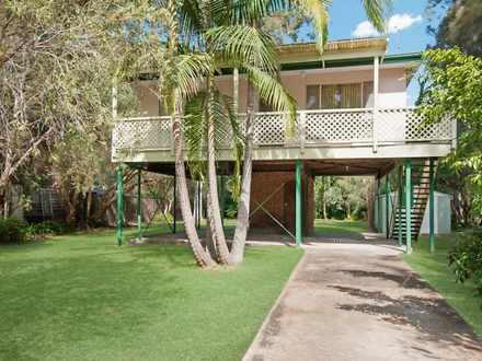 House - 52 Macquarie Street...
